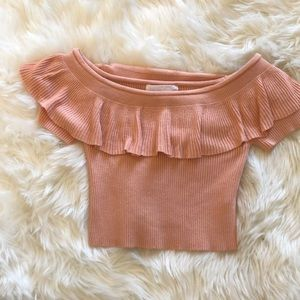 Adorable off shoulder crop top peach/pink